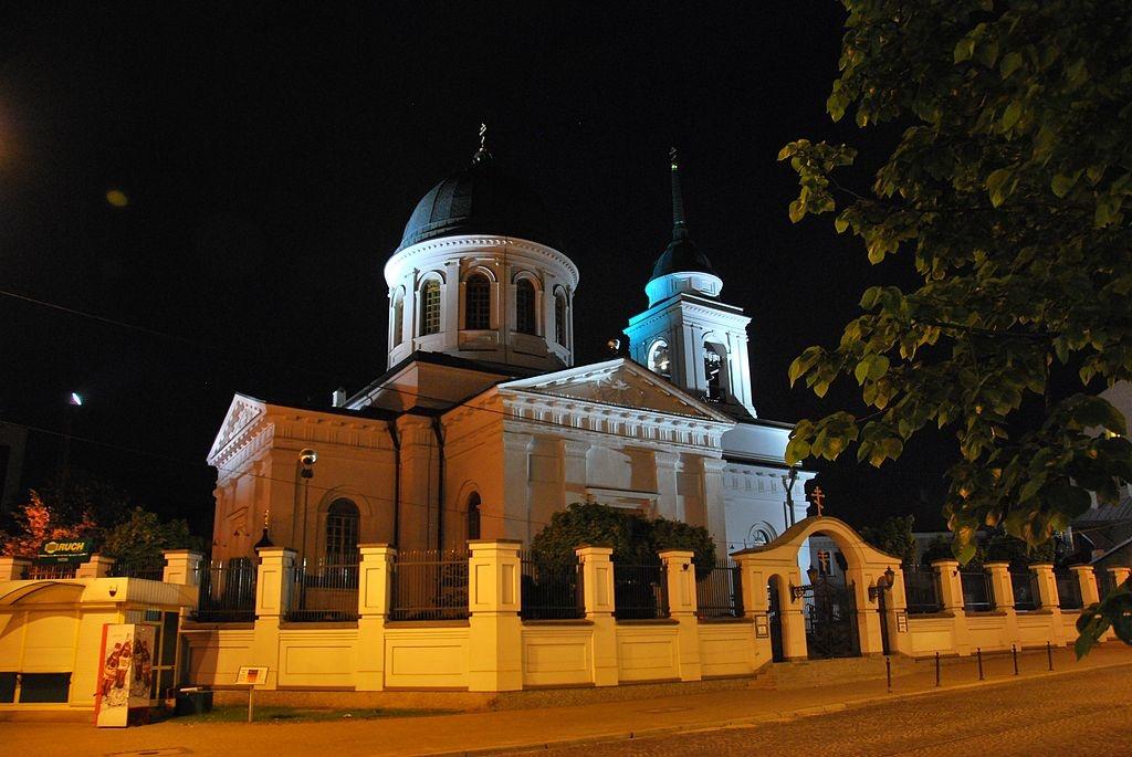 1024px-Cerkiew_Św._Mikołaja_nocą,_Białystok