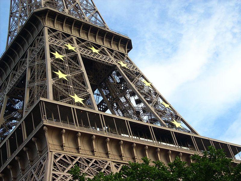 800px-Eiffel_Tower_Uploaded_by_Argonowski