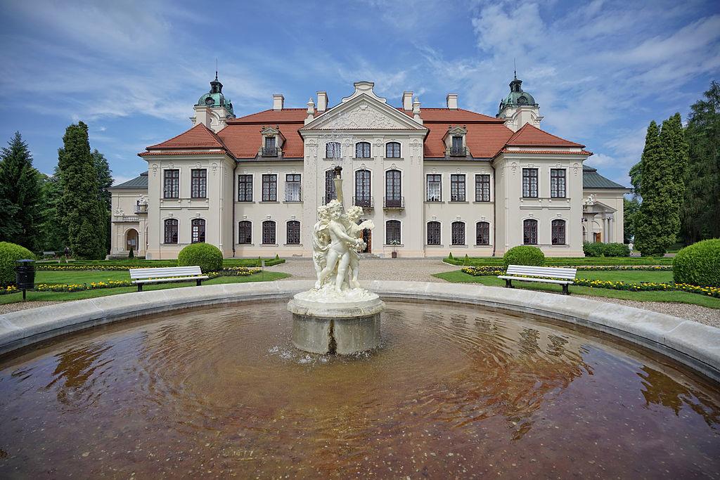 Pałac_Zamoyskich_w_Kozłówce_3